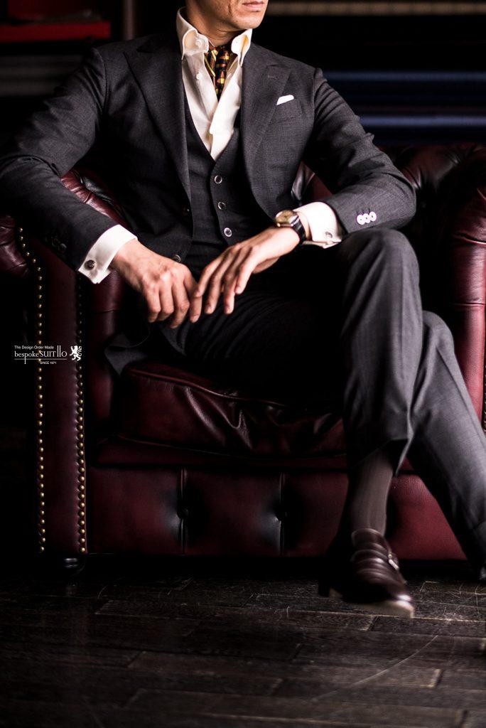 ウイリアムハルステッド,William Halstead,グレースーツ,英国服地,3ピーススーツ,グレーコーディネート,キンロック,スカーフ,ネッカチーフ,イエローシャツ,スーツコーディネート,フォーマルスーツ,オーダースーツ,オーダーシャツ,挙式,福岡花嫁,日本中の花嫁さんと繋がりたい,福岡のプレ花嫁と繋がりたい,プレ花嫁,結婚式コーデ,ゼクシィ,ブライダル,2018秋婚,menscoordinate,メンズコーディネート,mensfashion,メンズファッション,着こなし,福岡ファション,ブライダル,お洒落さんと繋がりたい,オーダースーツ,ordersuits,ドレスシャツ,オーダースーツ,オーダージャケット,orderJacket,オーダーベスト,oedervest,ビスポーク,bespoke,三ケ森,jhp,instagood,instadiary,instalike,instamood,instalove,instafollow,instapic,instaphoto,オーダージャケット,オーダーシャツ,オーダースーツ,背広,誂え,仕立,紳士,福岡,黒崎,小倉,北九州,八幡西区,ビスポークスーツ110,bespokeSUIT110,bespokeSUITIIO,suits,suitstil,Suitsstyle,mensstyl,スピーゴラ,spigola,鈴木幸治,kojisuzuki,